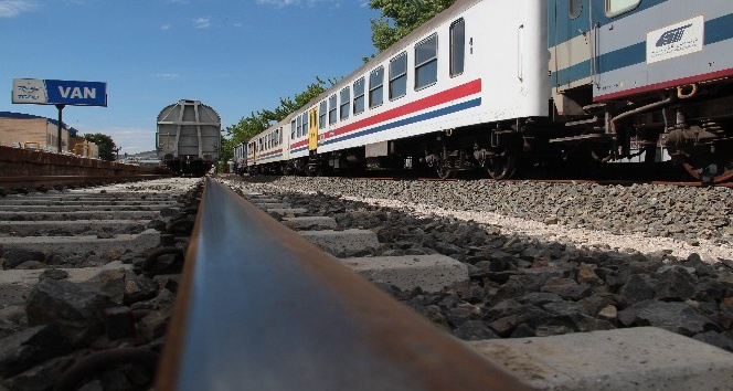 Van-Tebriz tren seferleri yeniden başladı