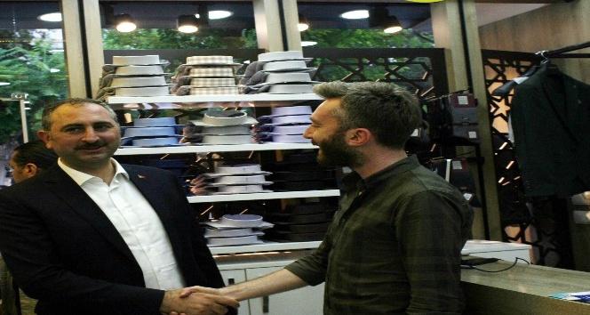 Adalet Bakanı Gül Kiliste esnafı ziyaret etti