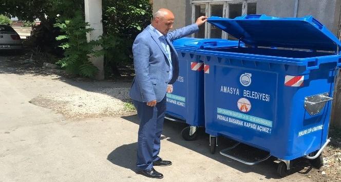 Belediyeden 400 plastik çöp konteyneri