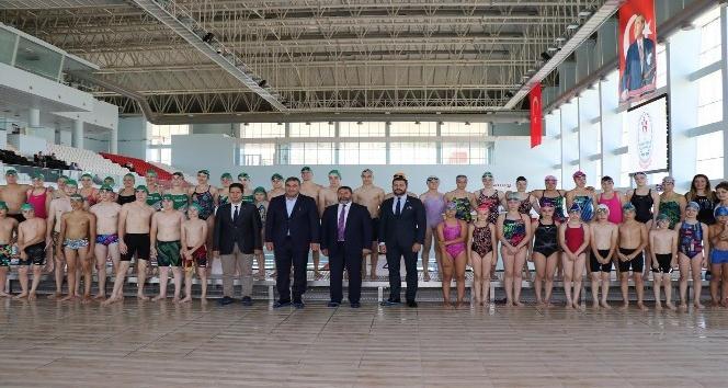 Edirnede bin seyirci kapasiteli olimpik yüzme havuzu hizmete başladı