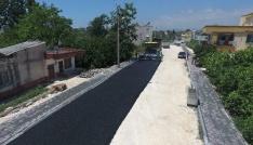 Erdemlide sıcak asfalt çalışması devam ediyor