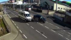 Bingölde trafik kazaları polis kamerasına yansıdı