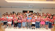 Efeler Belediyesinden çocuklara anlamlı karne hediyesi