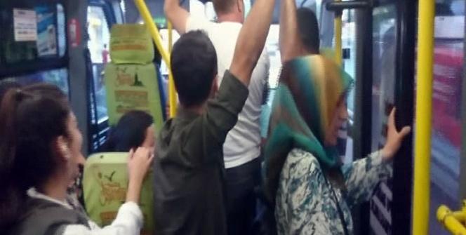 Minibüste yolcu kadın ile şoför arasında Kemal Sunal filmini hatırlatan diyalog