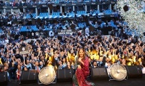 İstanbul Esenyurt Üniversitesinde mezuniyet sevinci