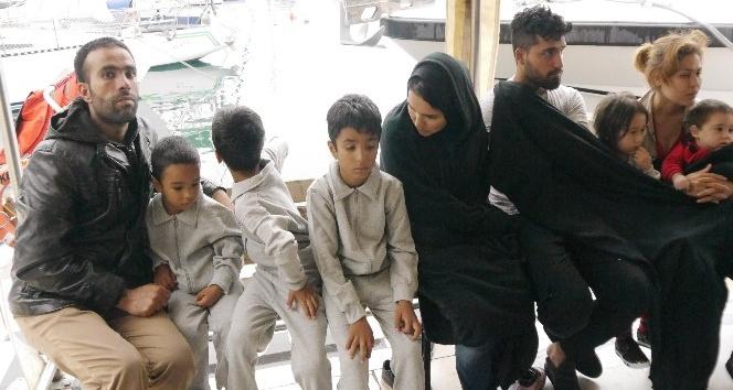 Yunanistana gitmeye çalışan 47 kaçak göçmen yakalandı