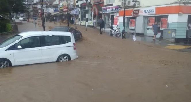 Tokatta sağanak yağış hayatı olumsuz etkiledi