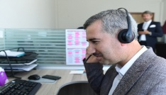 Başkan Çınar çağrı merkezinde vatandaşların telefonlarına yanıt verdi