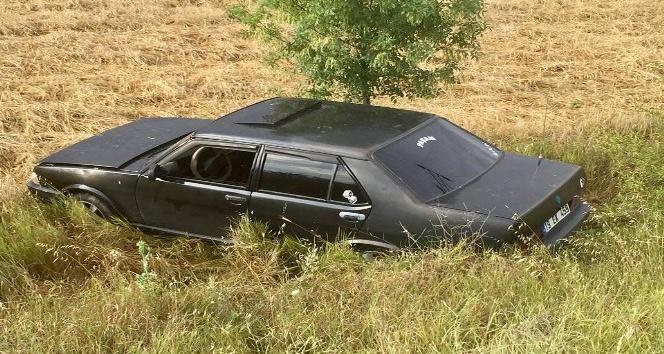 Sungurluda otomobil tarlaya uçtu: 2 yaralı