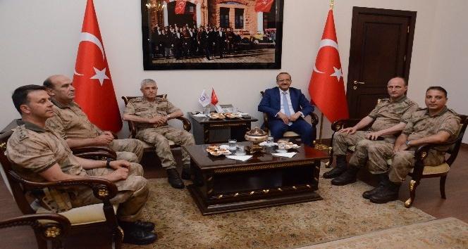 Jandarma Genel Komutanı Çetin, Vali Yavuzu ziyaret etti