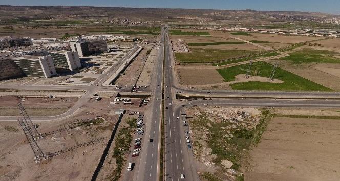 Büyükşehirde mega projeler devam ediyor