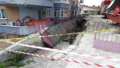 Ankarada istinat duvarı çöktü