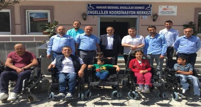 İstanbuldan Hakkarili engellilere akülü sandalye