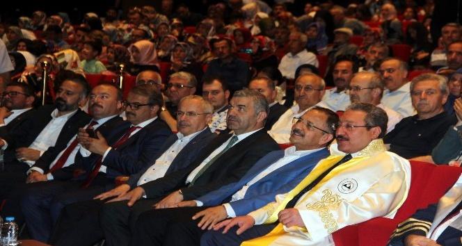 Bakan Özhaseki: Sapkın grupların içerisinde ilahiyat mezunu çok azdır