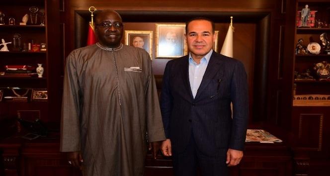Başkan Sözlü Senegal Büyükelçisi'ni ağırladı