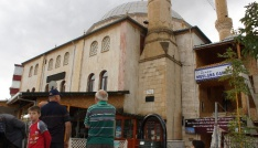 Ankarada cami minaresine yıldırım isabet etti