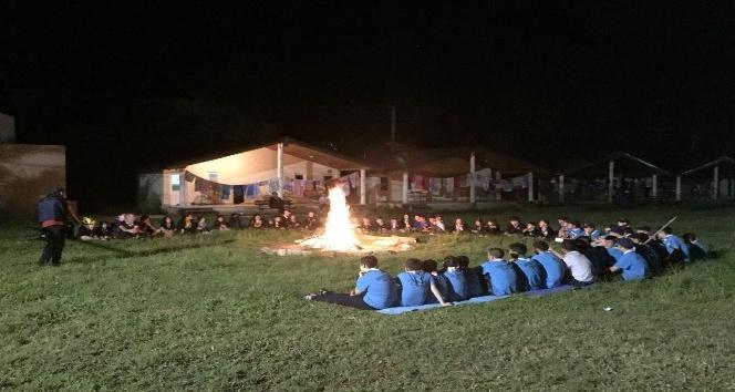 70 izci Sarısuda kamp yaptı