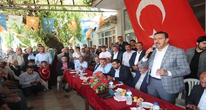 Bakan Tüfenkciye Doğanşehirde sevgi seli