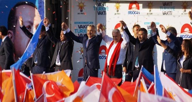 Başbakan Yıldırımdan CHPli İnceye Menderes eleştirisi