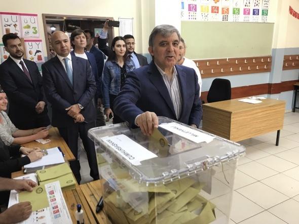 İşte Abdullah Gül'ün sandığından birinci çıkan isim...