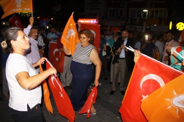 AK Parti'nin seçim zaferini böyle kutladılar!