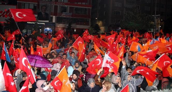 """Başbakan Yardımcısı Akdağ: """"Bu gece FETÖ üzüldü, PKK üzüldü, onların yandaşları üzüldü"""""""