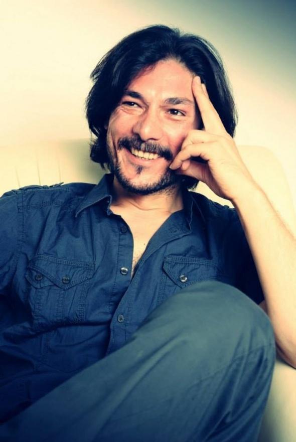 Onur Akay, genç müzisyenin kaybolduğunu duyurdu! |