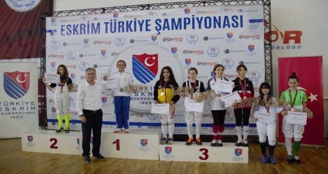 Eskrim Minikler Türkiye Şampiyonası için Trabzon'a akın ettiler