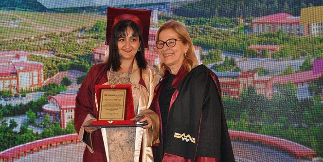 Maltepe Üniversitesi yüksek lisans mezunlarını uğurladı