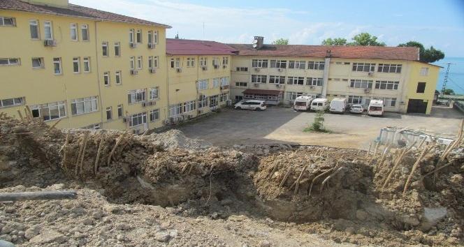 Bir mahalle fore kazıkla ayakta tutuluyor