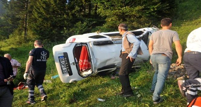 Trabzon'da otomobil şarampole yuvarlandı: 1 ölü, 3 yaralı