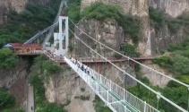 5D teknolojili cam asma köprü açıldı