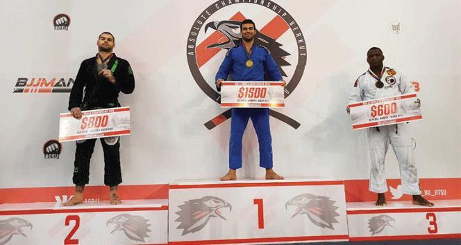 YDÜ Brazilian Jiu Jitsu Takımı Başantrenörü Dünya Şampiyonu