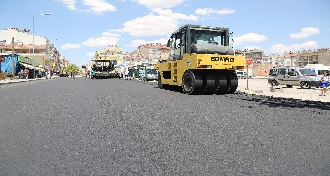 Tekir Caddesinde sıcak asfalt çalışmalarına başlandı