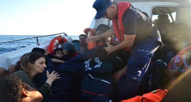 İzmir'de iki günde 90 göçmen yakalandı