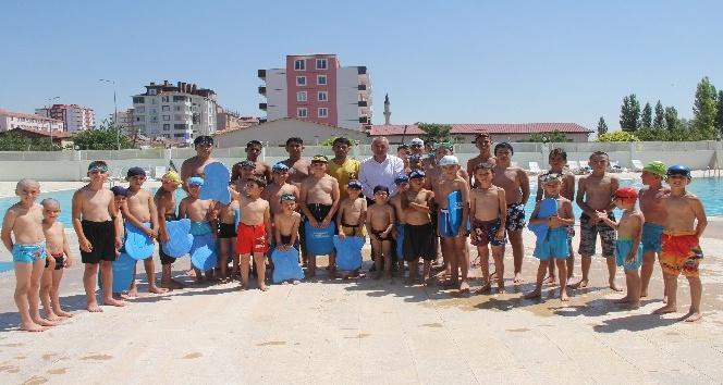 Başkan Karayol'dan yaz spor okulu öğrencilerine ziyaret