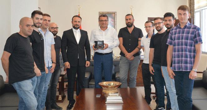 'Robotik Futbol Takımı' KKTC Başbakanını ziyaret etti