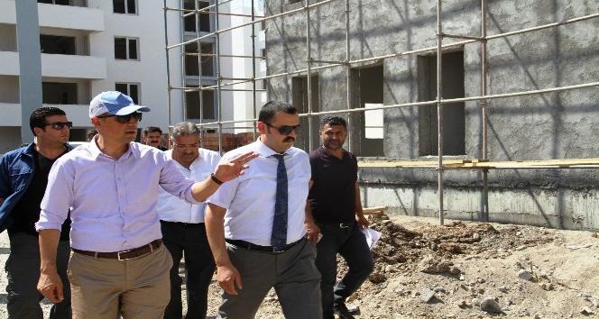 Başkan Yüksel yapımı devam eden tesisleri inceledi