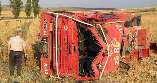 Yangınla mücadele aracı kaza yaptı: 1 yaralı