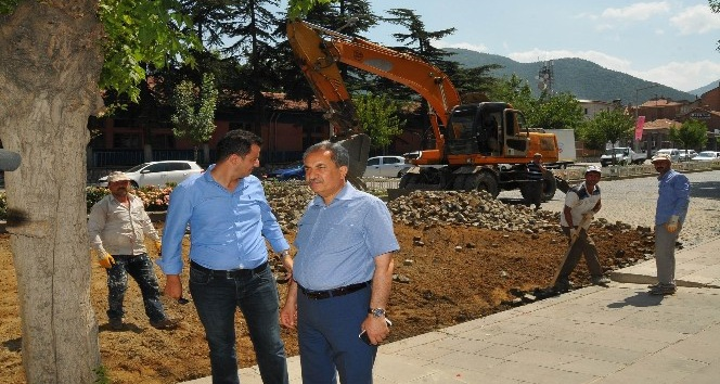 Akşehir 24 Ağustos Bulvarı sıcak asfaltla buluşuyor