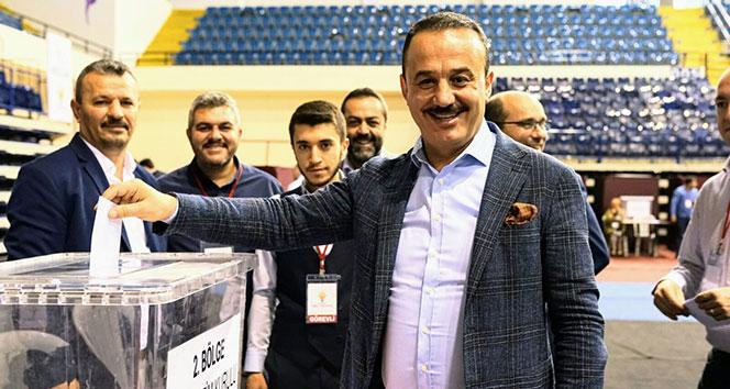 AK Parti İzmir Teşkilatında Binali Yıldırım sevinci