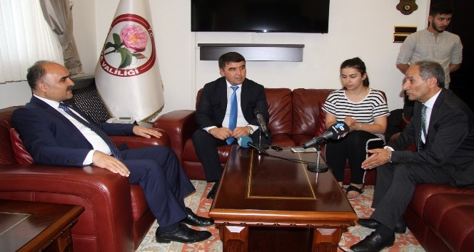 Özbekistan'ın gül şehri Nemengan'dan Türkiye'nin gül diyarı Isparta'ya ziyaret
