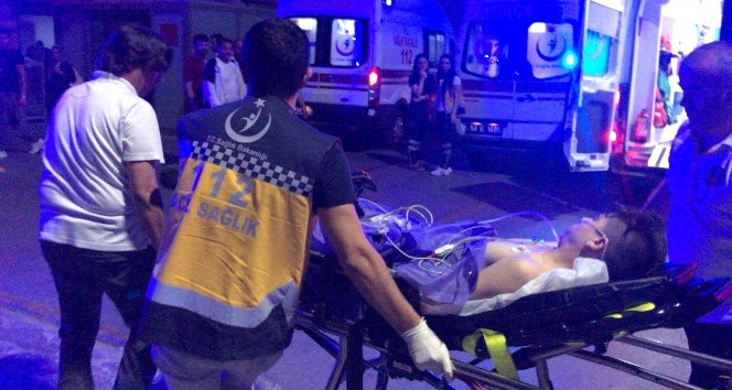 İki grubun kavgasında kan aktı: 3 yaralı