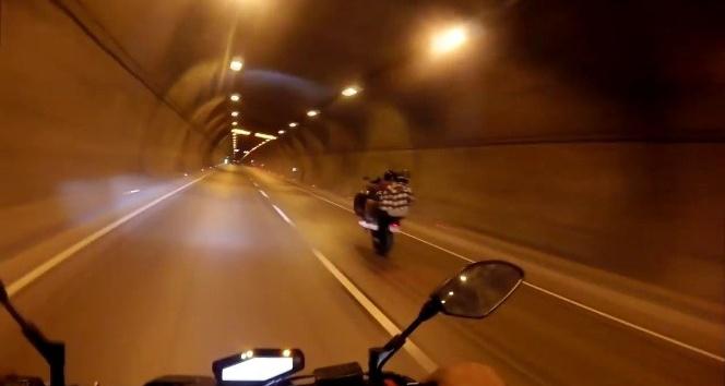 (Özel) Beşiktaş Tüneli'nde tek teker kazası kamerada