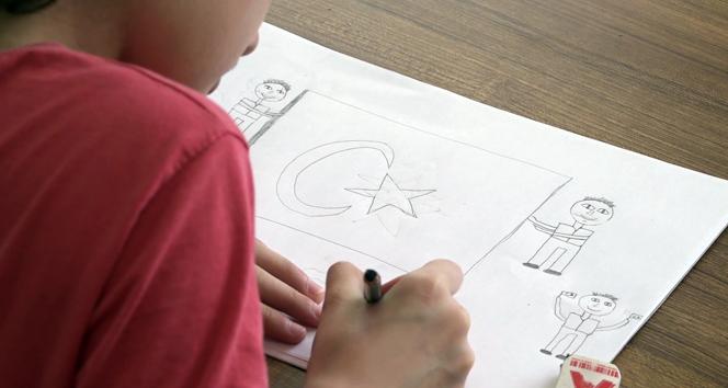 Minik öğrenciler 15 Temmuzu resmetti