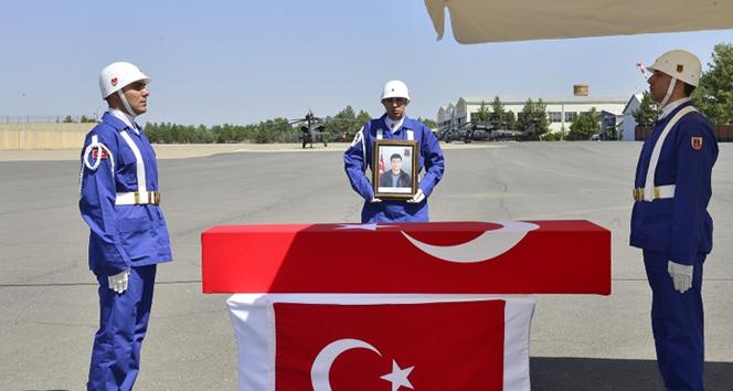 Diyarbakır'da şehit olan korucu için tören düzenlendi!