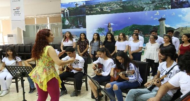 Acapella kursiyerleri dev konsere hazırlanıyor