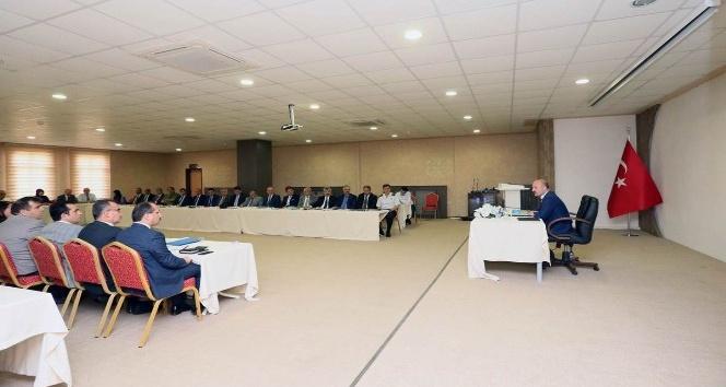 Vali Varol'dan yöneticilerle toplantı