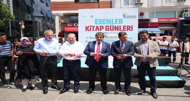 İstanbul'un dört bir yanında İHA'nın 15 Temmuz Destanı Fotoğraf Sergisi açıldı