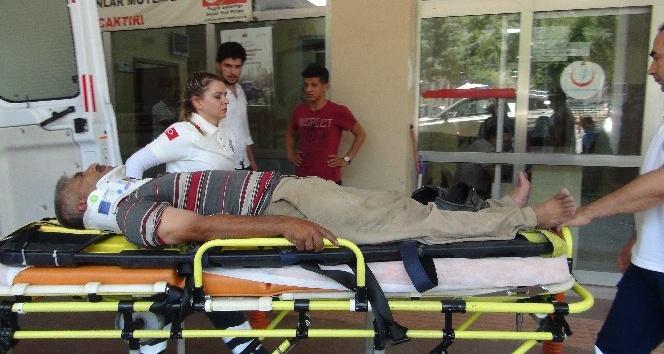 Şanlıurfa'da kamyonet ile otomobil çarpıştı: 3 yaralı